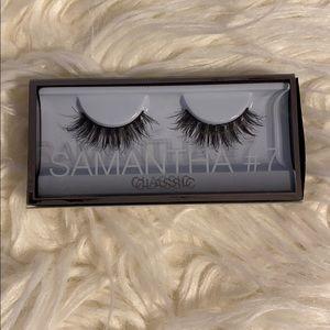 Huda Beauty Samantha #7 Synthetic Lashes
